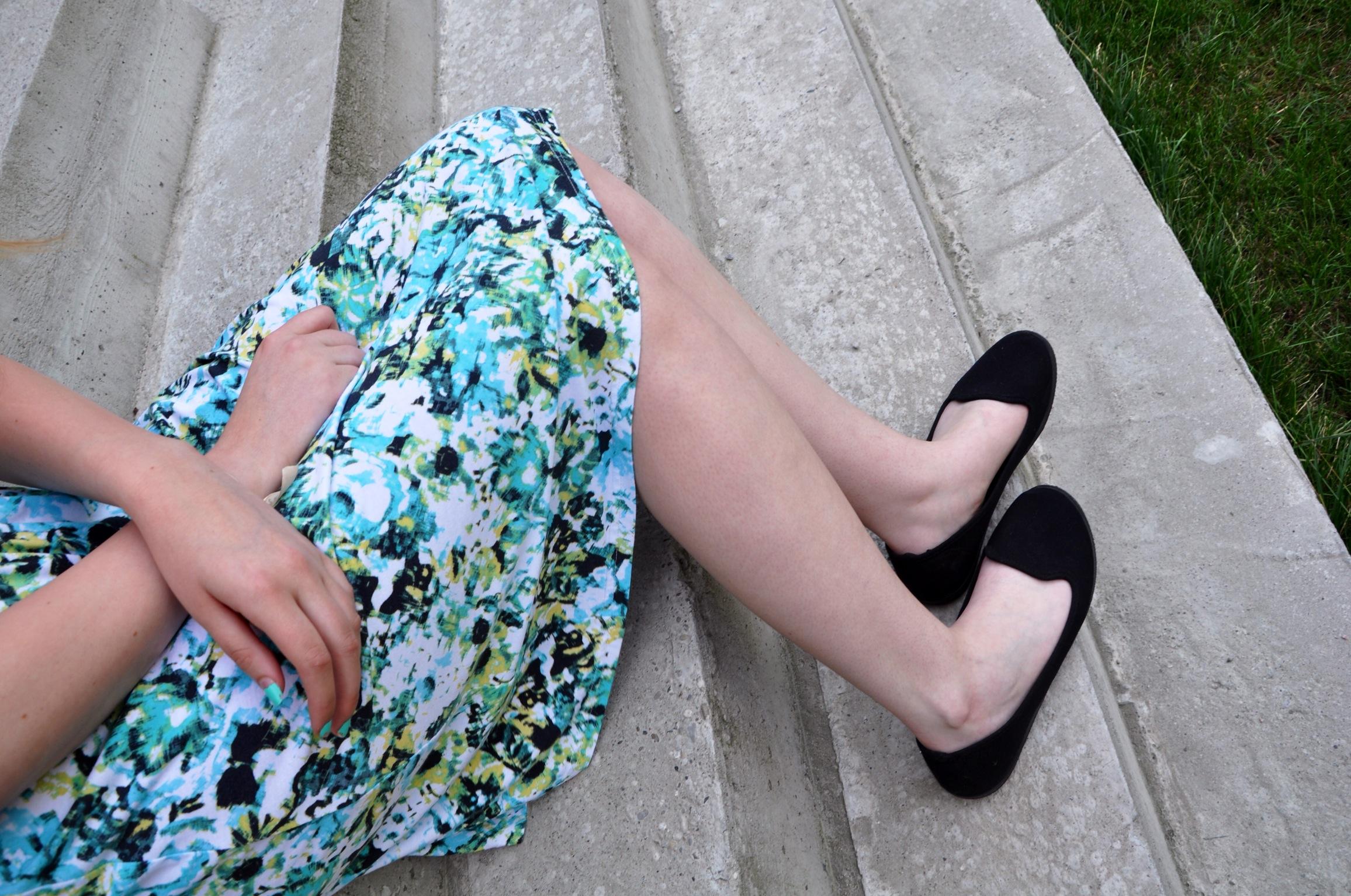 flower dress s es t rkises blumenkleid f r den sommer. Black Bedroom Furniture Sets. Home Design Ideas